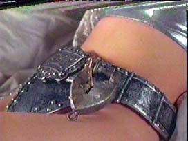 www.ladyofthecake.com/mel/hood/images/thekey.jpg